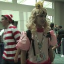 Cosplay: Princess Peach at SDCC 2013